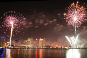 New Orleans Go 4th On The River Fireworks Extravaganza