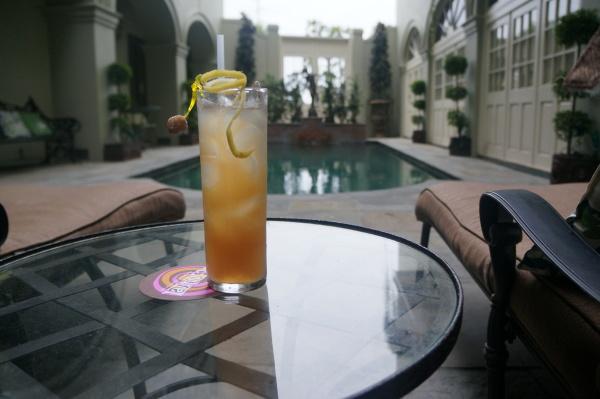 Latitude29-drink-pool