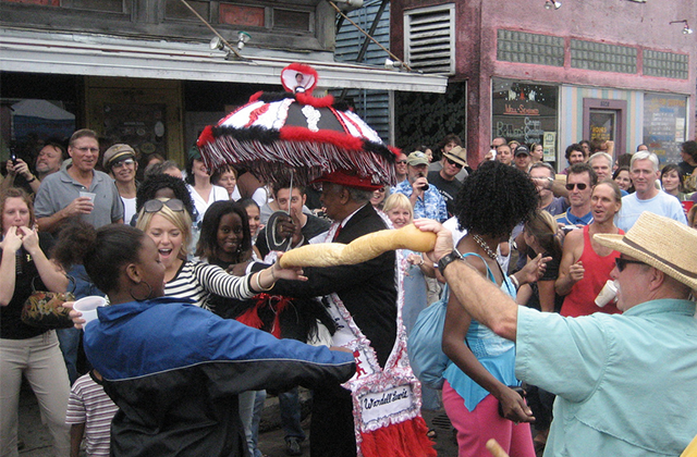 A Po-Boy Limbo Taking Place at Oak Street Po Boy Festival (Photo: Infrogmation)