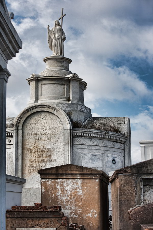 Saint Louis Cemetery 1 in New Orleans (Photo by Photoartel, via Wikimedia Commons)